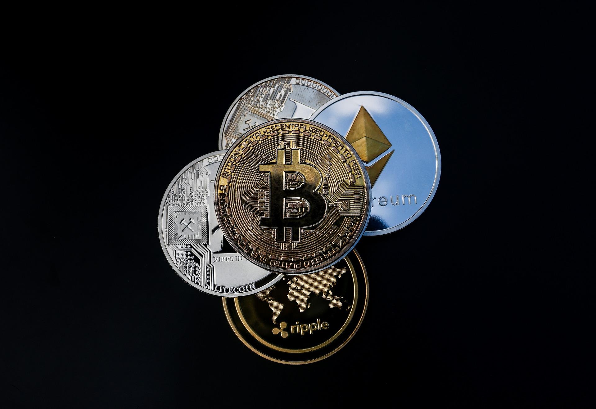 Wat is het verschil tussen een virtuele en een digitale valuta?